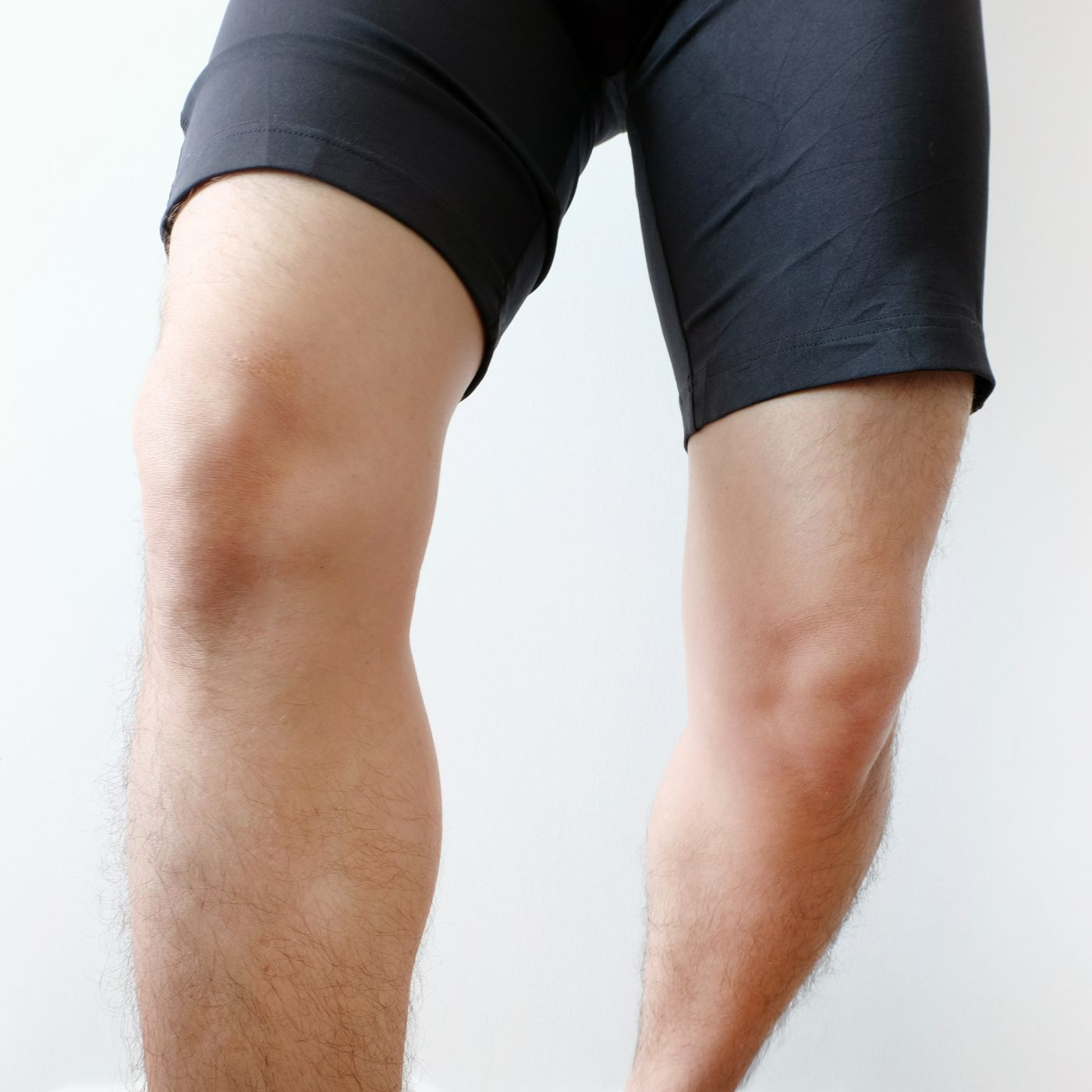 male athlete knees