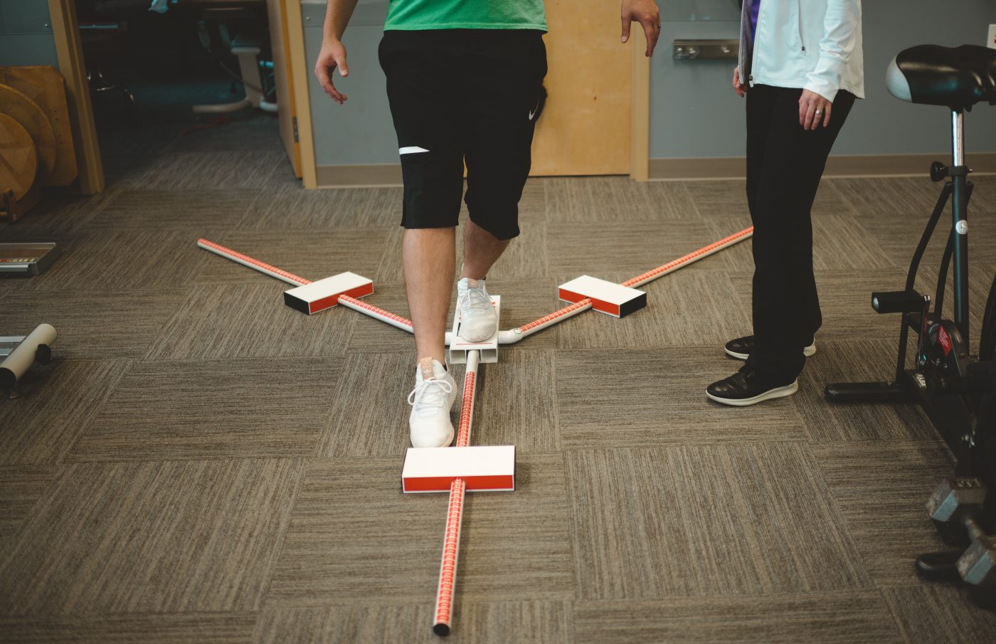 athlete performing Y balance test